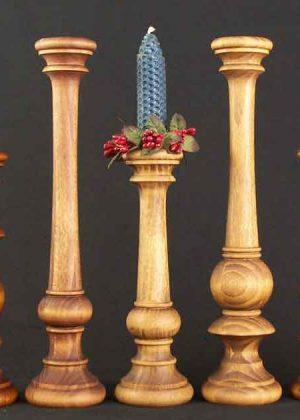 Kerzenstaender aus Holz KSKLM Fam MOF