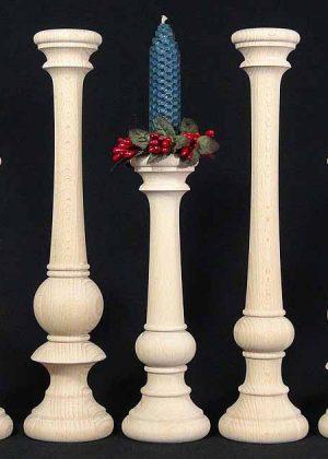 Kerzenstaender aus Holz KSKLM Fam unb